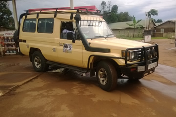 landcruiser-with-roof