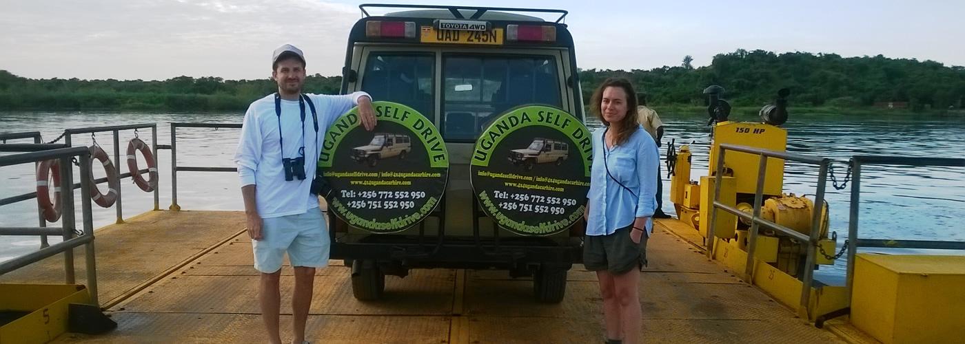 safari-landcruiser