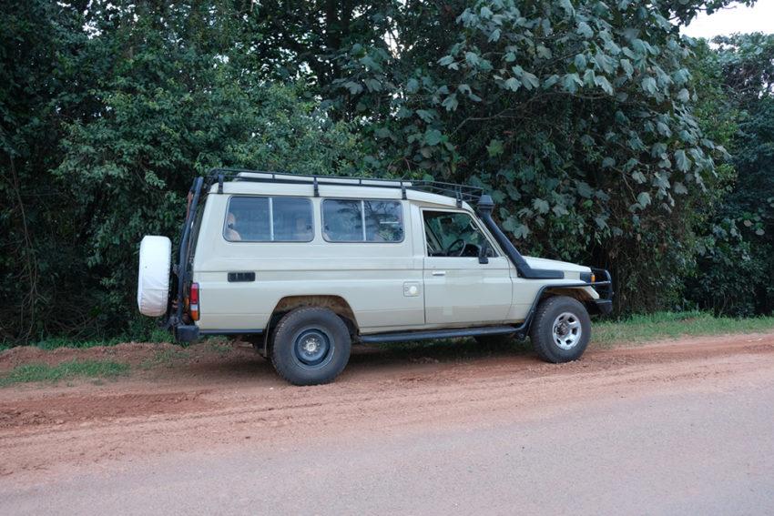 hire safari land cruiser in uganda